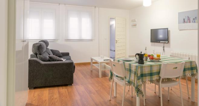 http://www.apartamentosencandelario.com/wp-content/uploads/2016/09/apartamentos-en-candelario-bejar-salamanca-la-covatilla-estudio-apartamento-casa-rural-2.png