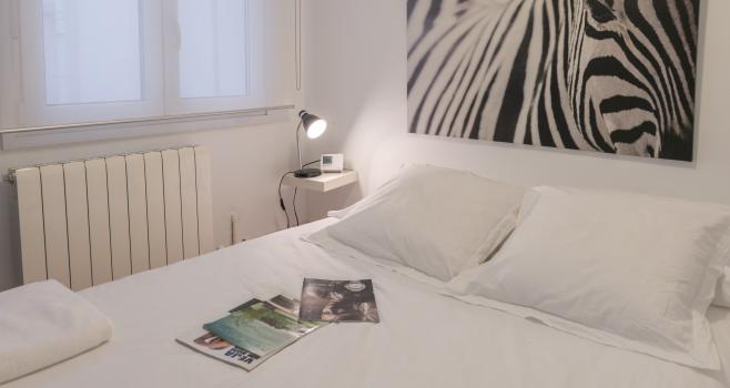 http://www.apartamentosencandelario.com/wp-content/uploads/2016/09/apartamentos-en-candelario-bejar-salamanca-la-covatilla-estudio-apartamento-casa-rural-3.png